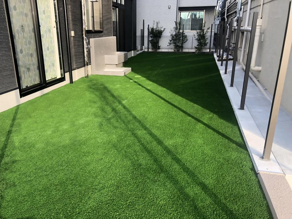 園庭人工芝施工